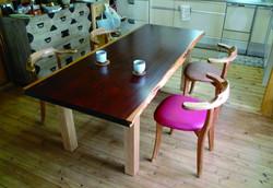 パドックのテーブル