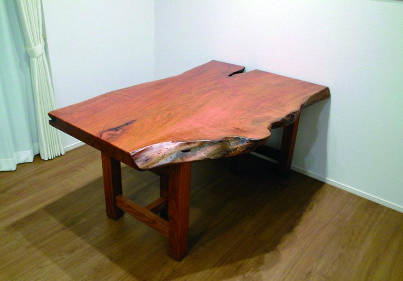 桜の一枚板テーブル