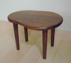 チークのミニテーブル