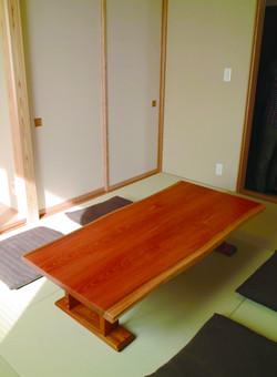 ケヤキの座卓