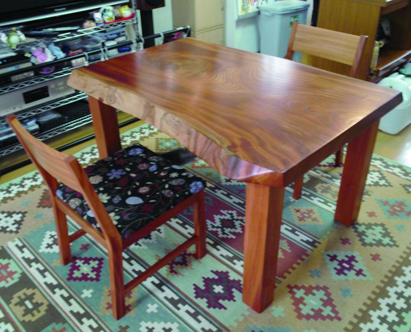 ケヤキの一枚板テーブル、KAKU chair