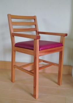 KAKU子供椅子