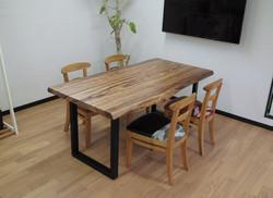 ベリのテーブル、toraチェアー
