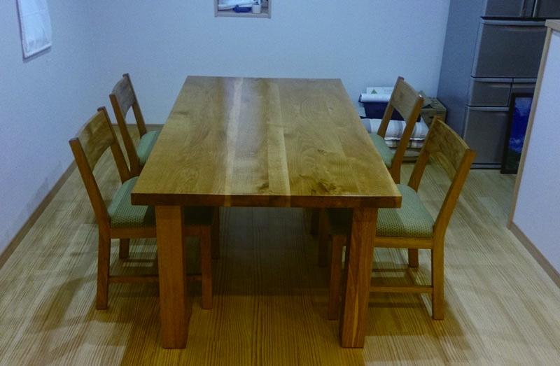 ナラのテーブル、KAKUchair