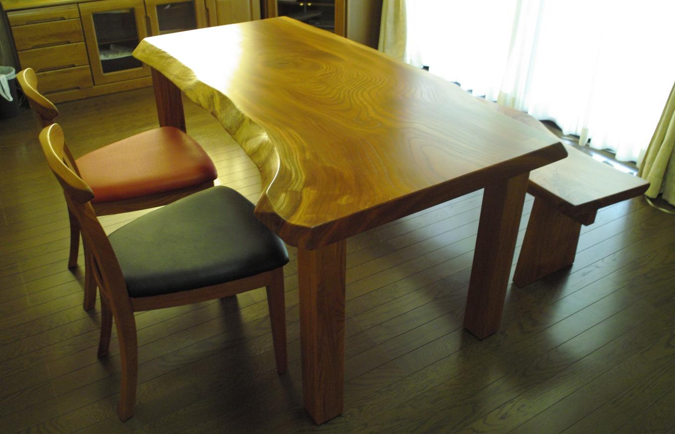 ケヤキの一枚板テーブル、ベンチ、tora chair