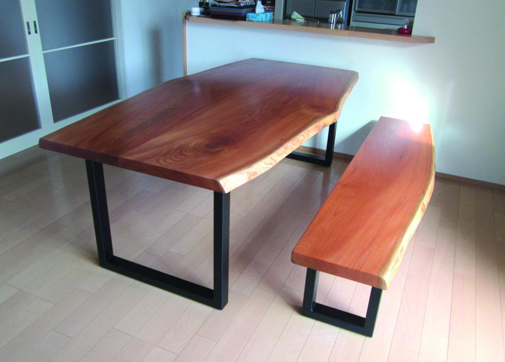 ケヤキの鉄脚テーブル、ベンチ