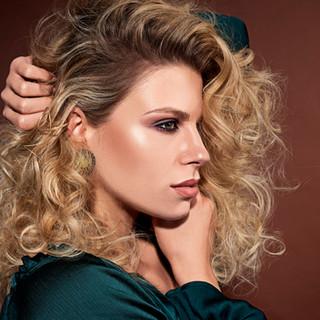 Classic curls & waves