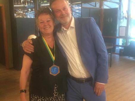 Speelavond 26 juni 2019 - Winnaar Vermiljoen Feniks bekend! - AZUREN DRAAK 2019 ontvangt medaille