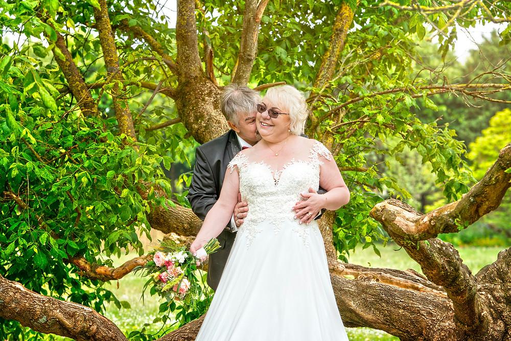 photo de couple - photographe de mariage - montmorency - 95 - val d'oise - parc