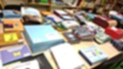 Bücher aus aller Welt: Großer Tisch