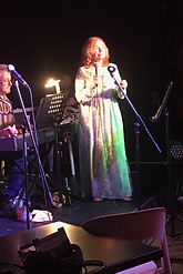 Sharon Singing PPH.png