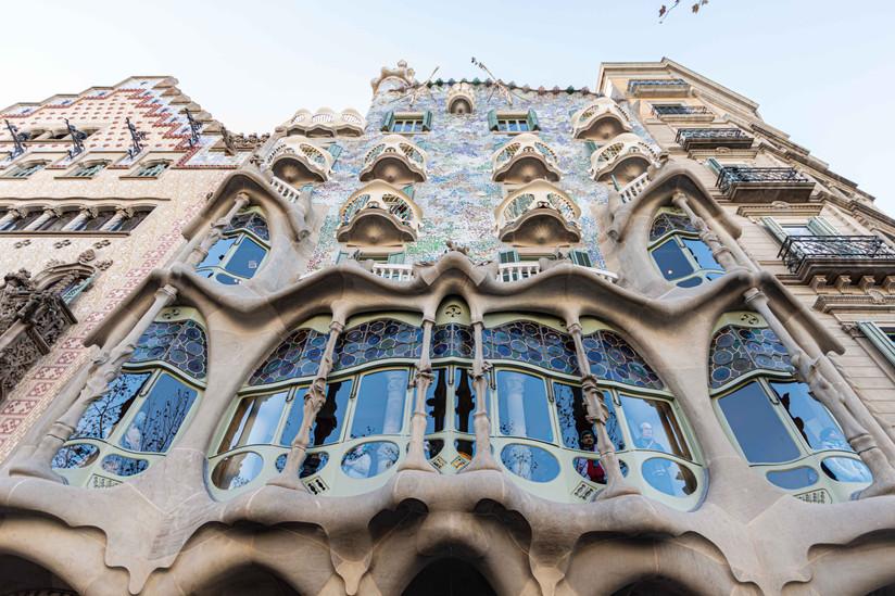 Capodanno a Barcellona, tra colori, musica e strane lattine.