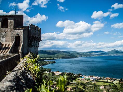 Un gelido lago, un'imponente fortezza. I segreti del castello Odescalchi.