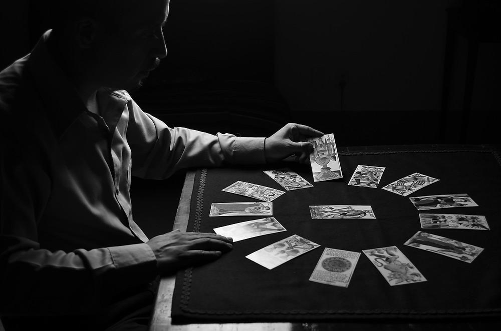 tirage tarot jeux de carte histoire consultation voyance medium divination