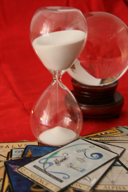 sablier-temps-boule-crystal-carte-tarot-voyante