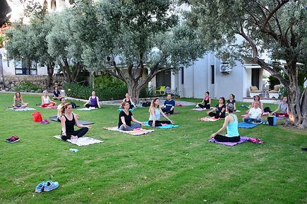 Arinnanda Bahçe'de Yoga