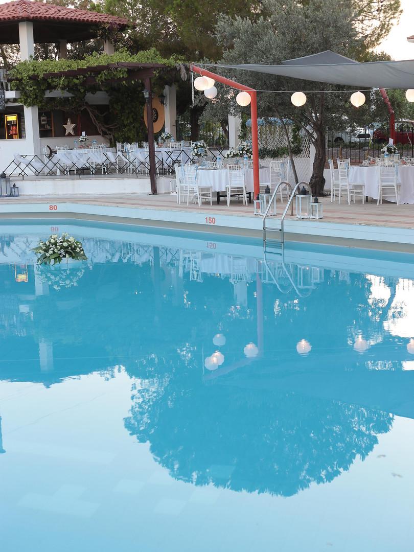 Arinnanda Havuz Başı Düğün hazırlıkları 2