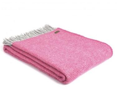 Boa Pink Throw