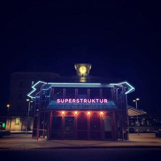SUPERSTRUKTUR