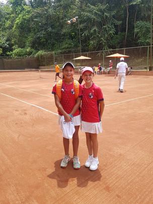 Liz Marina Arce  y Paolina Pieragostini van para semifinal U12