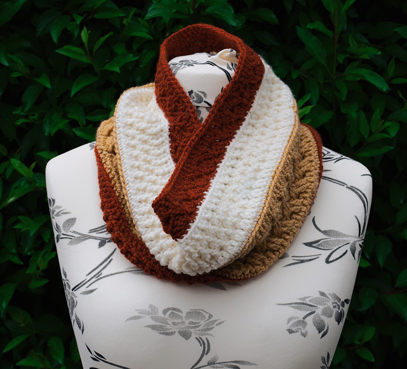 Mixed Toffee Cowl by Sunflower Cottage Crochet