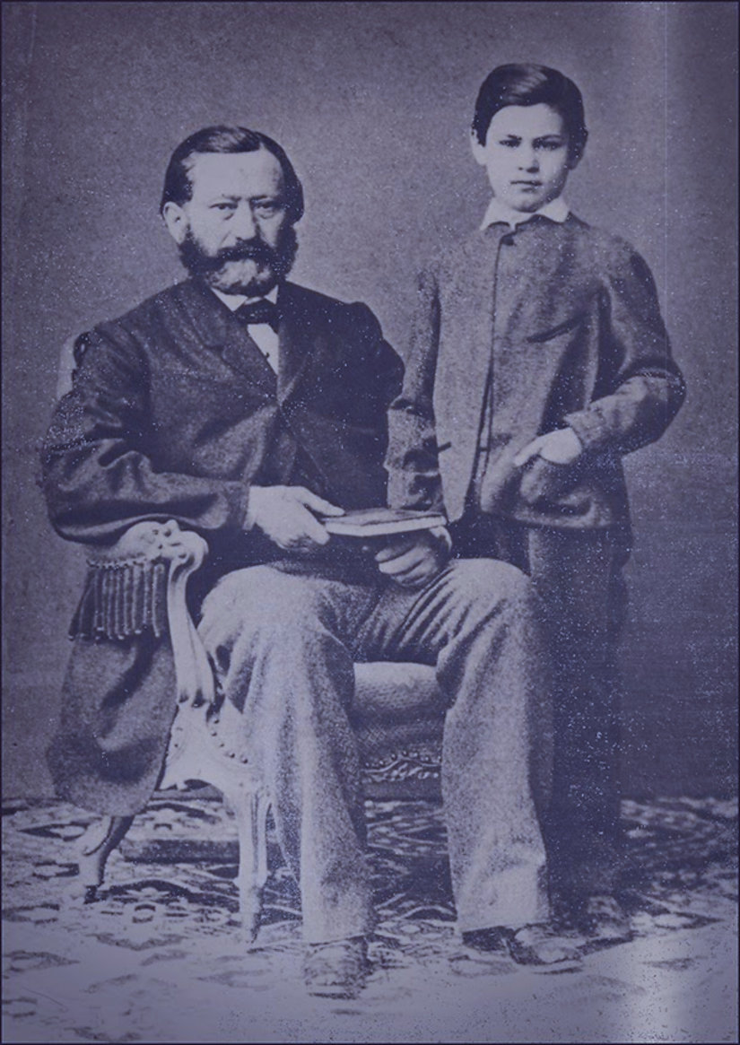Sigmund_Freud_as_a_child_with_his_father