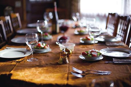 Sitzordnung bei Tisch