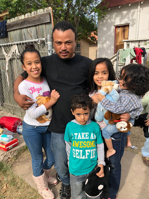 How to Help: Southern Border Crisis Faith Community Nurse Health Minister Photo provided by Mission Border Hope