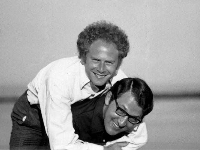 """Sandy and Art Garfunkel: """"He's not heavy; he's my brother!"""""""
