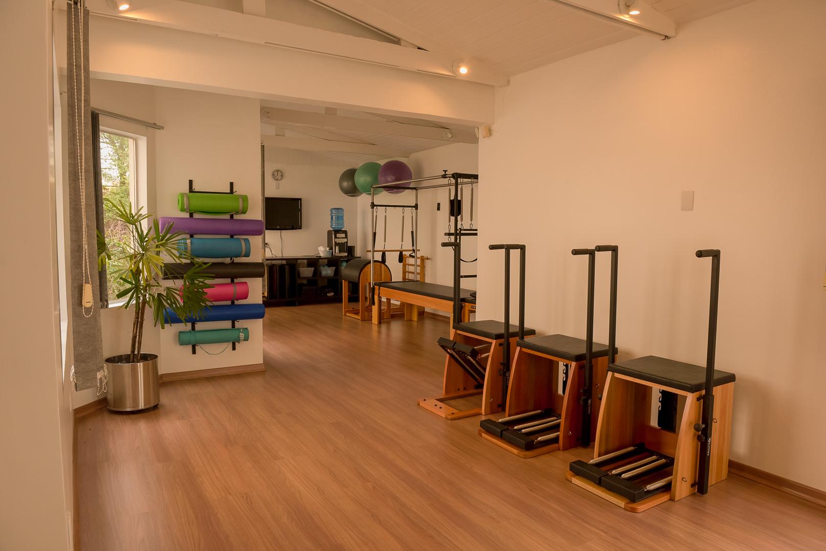 sala-pilates-aparelhos