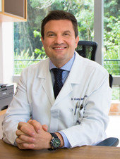 Dr. Vicente Martorano Menegotto - Oncologista Clínico