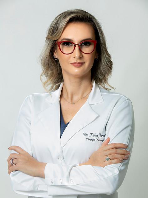 Dra. Karine Perin Fernandes - Cirurgiã oncológica