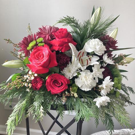 Winter Table Arrangements