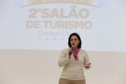 6-Cíntia_Capri,_presidente_da_AdeTur,_apresentando_ao_público_o_evento_que_acontece_em_agosto_-_foto