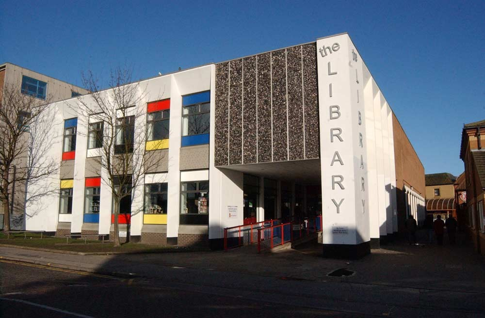 Lowestoft Library exterior