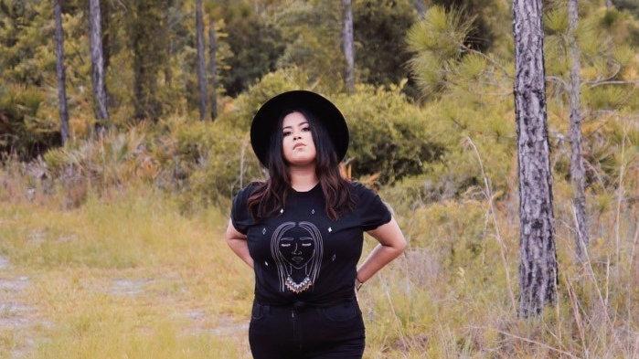Lady Seminole tee in black