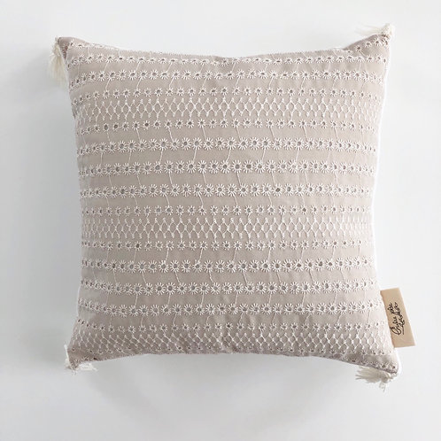COUSSIN  - BRODERIE SABLE
