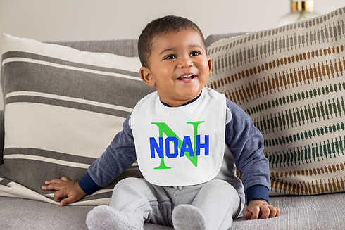 bib-mockup-featuring-a-happy-baby-boy-si