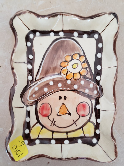 Small rectangular tray scarecrow