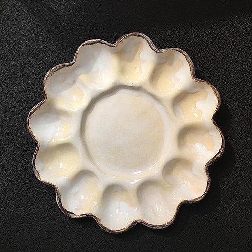 egg tray magnolia