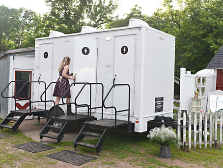Top Reasons Wedding Guests Love Restroom Trailers!