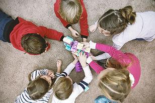 Vue de dessus des enfants qui jouent