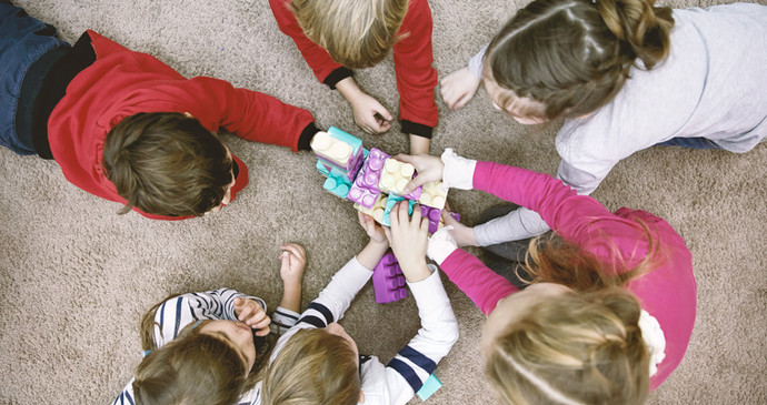 Kids learning languages by playing