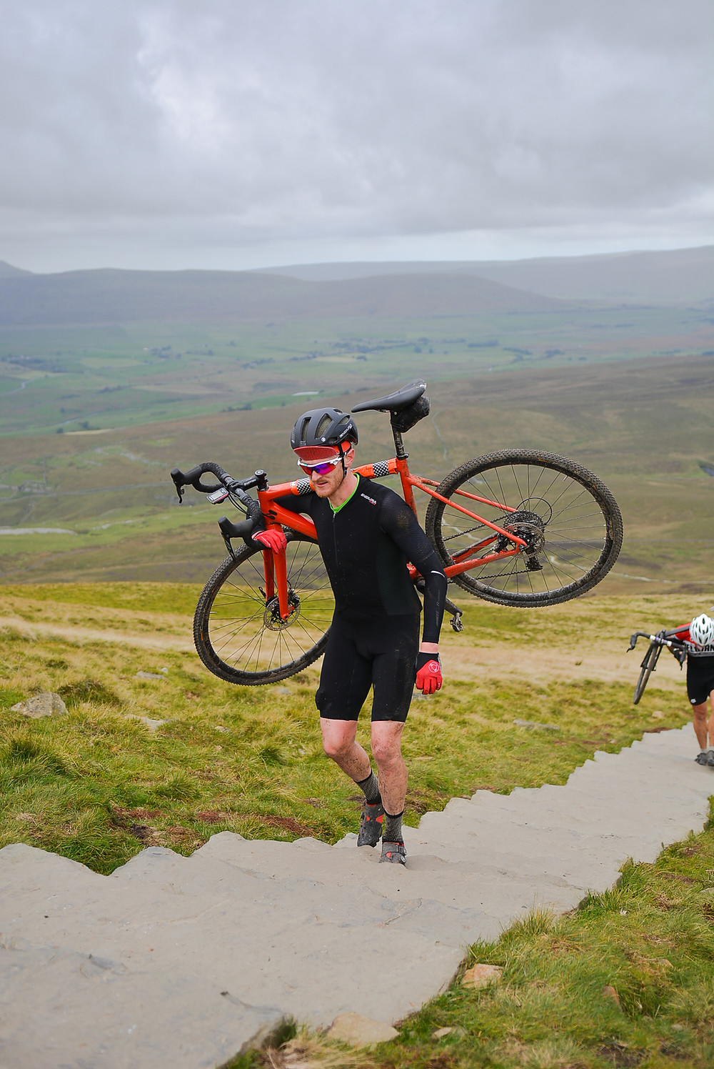 To the summit of Pen-Y-Ghent
