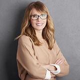 Freundliche Frau mit Brille