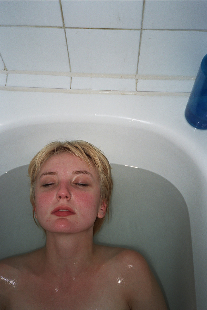 Jane in the tub