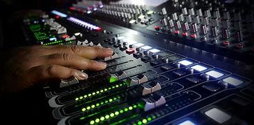 live-audio-mixer-852x420.jpg