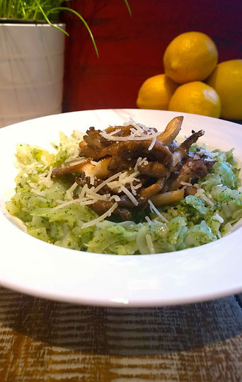 Gluten free pesto 'pasta' with sauteed mushrooms