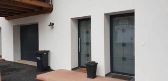 Porte d'entrée d'immeuble à Bischwiller