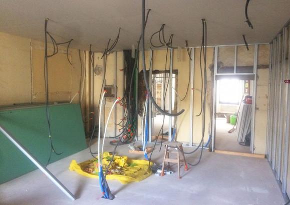 Mise en place d'un réseau électrique dans un faux-plafond à Weitbruch